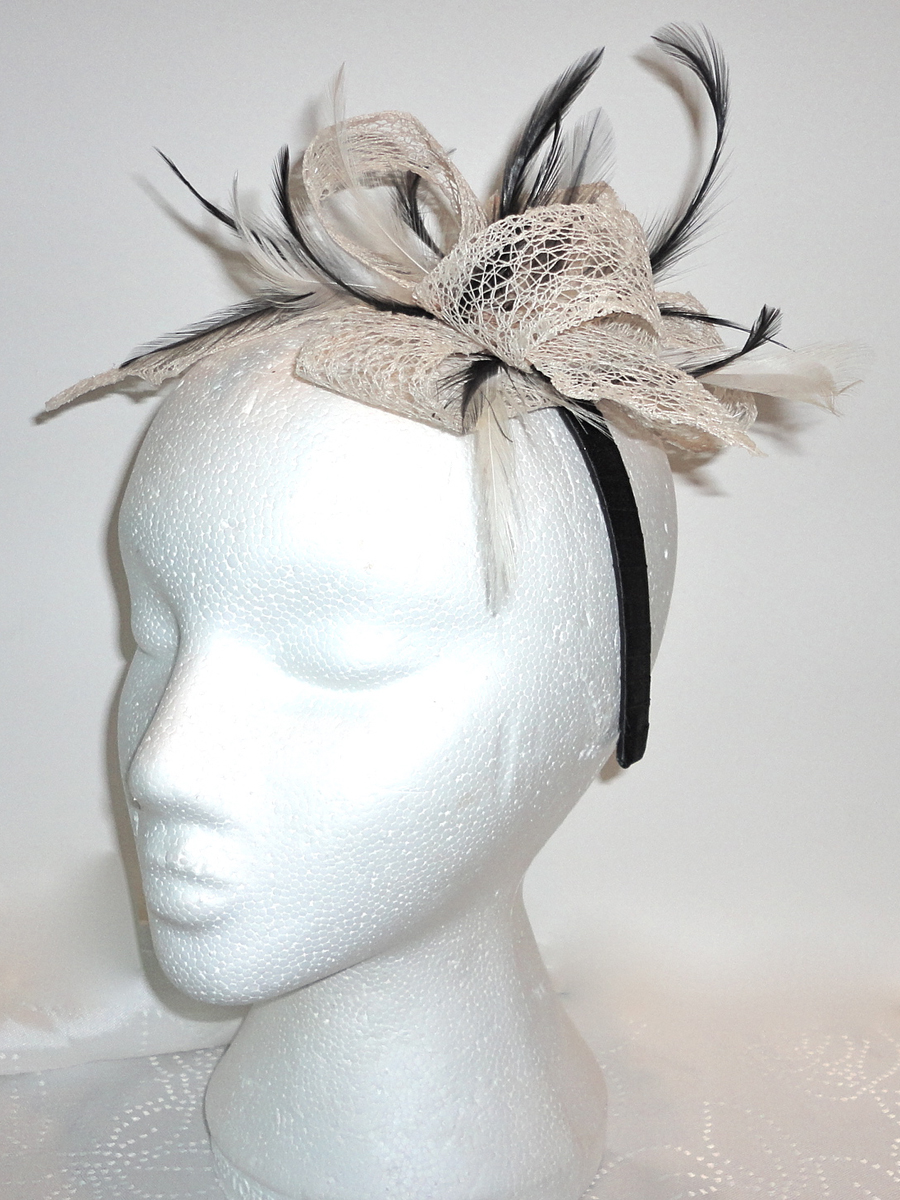 Black Cream Fascinator