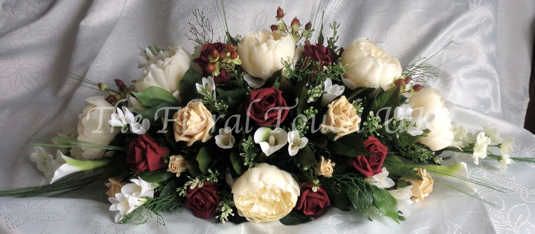 Burgundy, Gold and Ivory Wedding Centrepiece