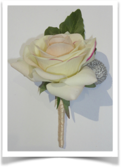 Fresh Touch Ivory/Blush Rose & Brunia Berry Buttonhole