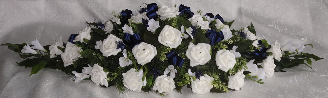 Navy Blue & White Top Table Centrepiece