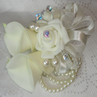 Reao Touch Ivory Calla Lily & Rose Wrist Corsage