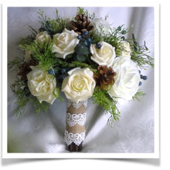 Winter Wedding Flowers Uk: Christmas & Winter Wedding Bouquets